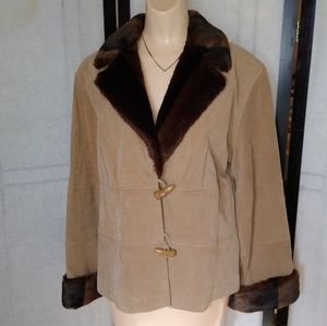 Genuine Leather Tan Jacket with Faux Fur Collar 🎀